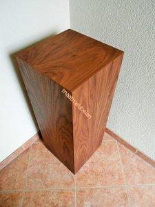gefineerde sokkel  / Zuilen met echt hout fineer / diverse houtsoorten.