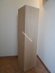 Eiken  sokkel  / echt hout fineer met melamine (lak) top laag.